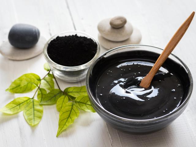 Как использовать активированный уголь для красоты