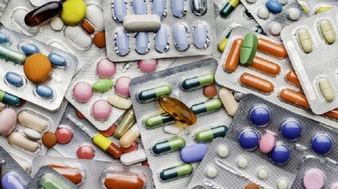 9 продуктов, которые нельзя смешивать с лекарствами