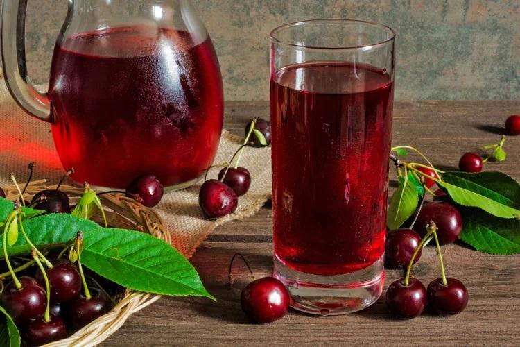 Вишневый сок помогает при болях в суставах