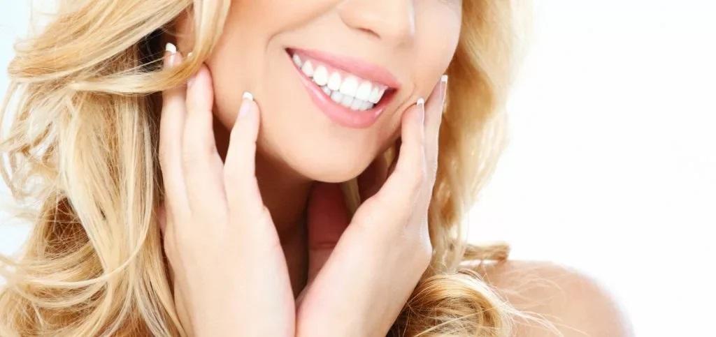 Почему белоснежная улыбка не означает, что у вас здоровые зубы