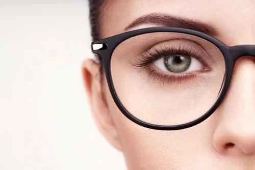 8 вещей, которые могут повредить зрение