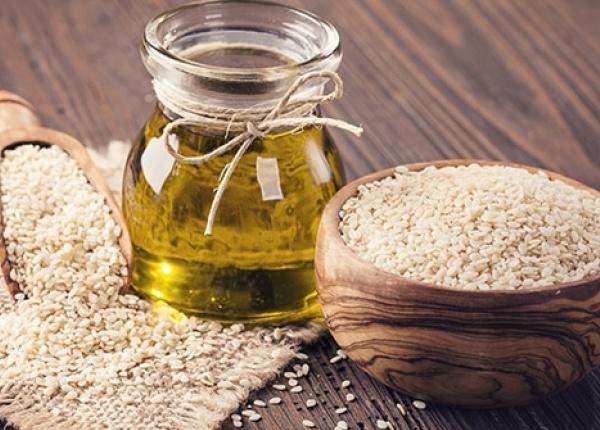 Полезные свойства кунжутного масла для волос