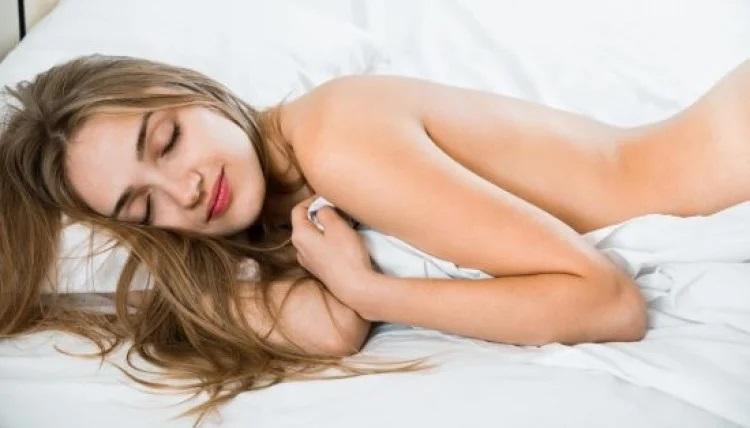 Почему вредно спать на животе - 4 причины