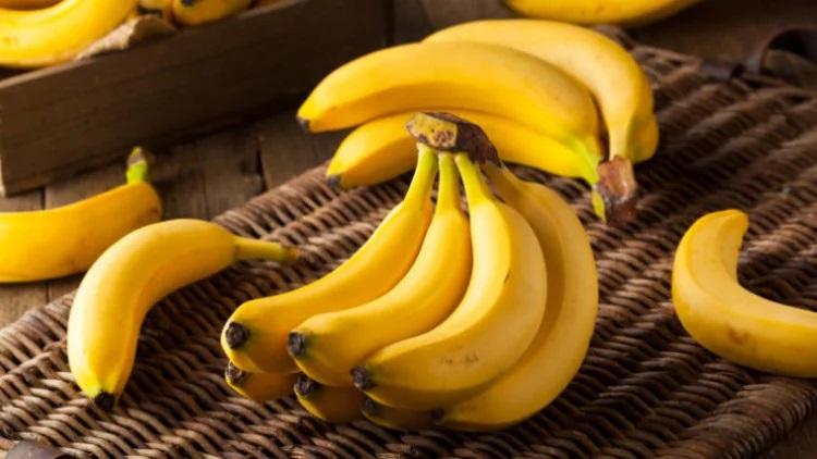 4 заболевания, при которых нельзя есть бананы