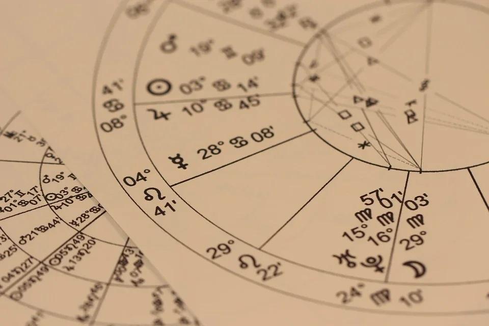 Посмотрите, какие профессии подходят разным знакам зодиака