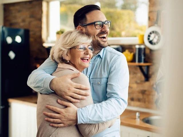 Что можно узнать о мужчине из его отношений с его мамой