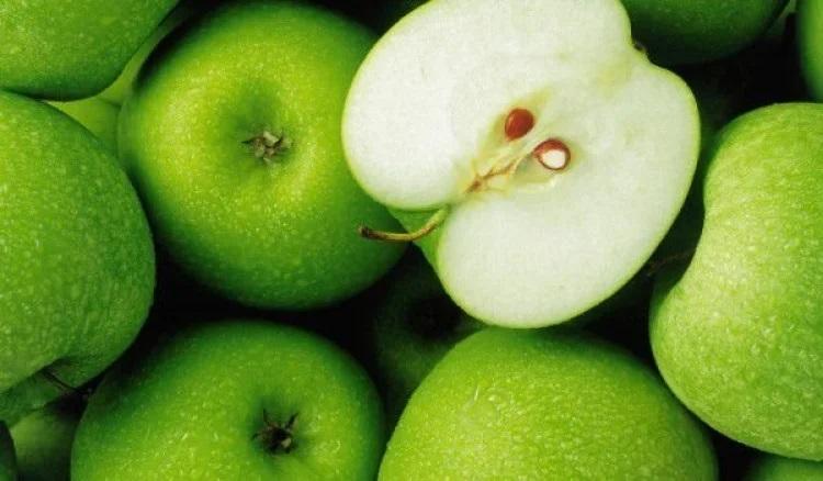 Ученые определили самую полезную часть яблока - вы будете поражены!