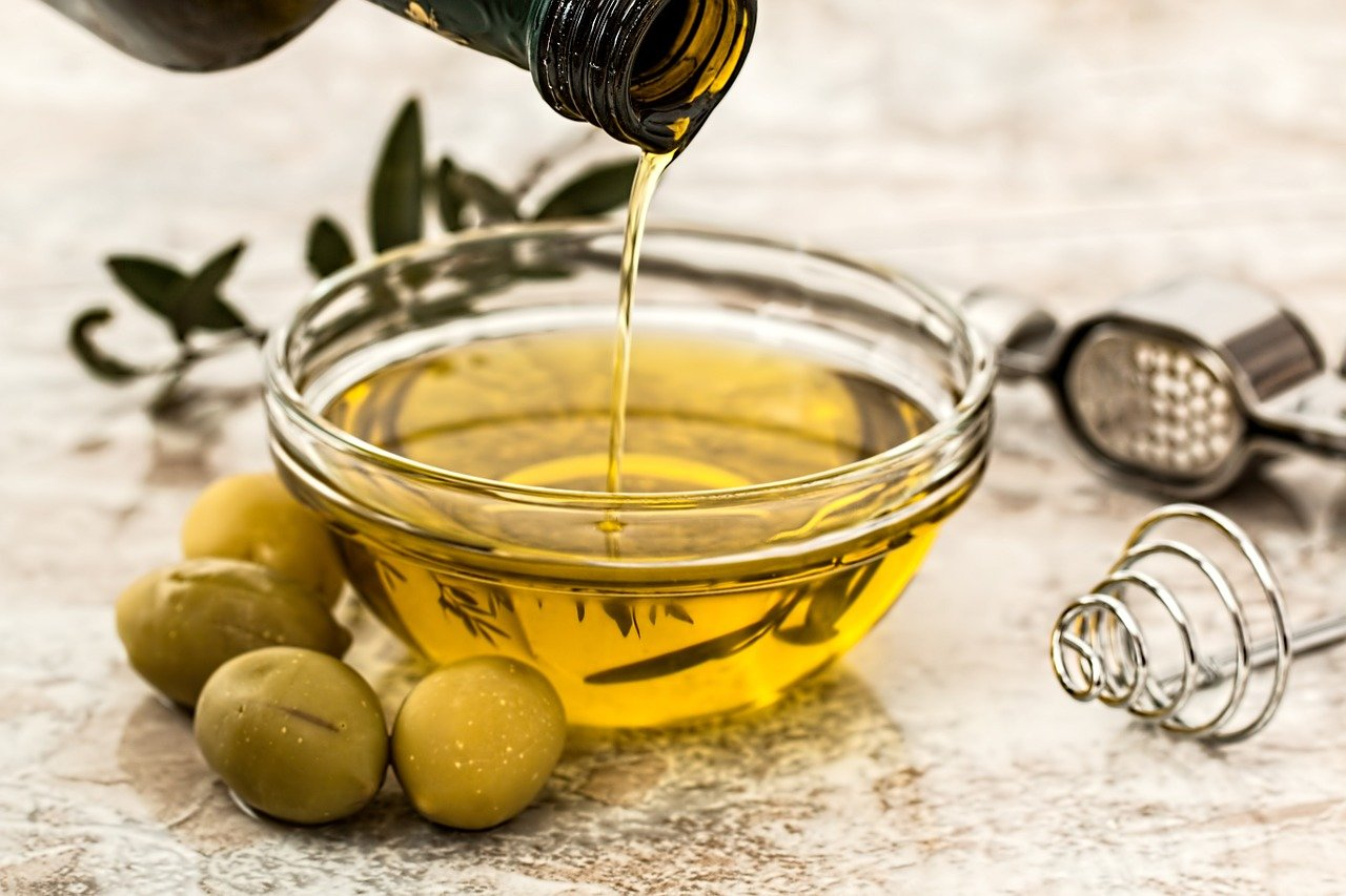От чего помогает ложка оливкового масла утром натощак?