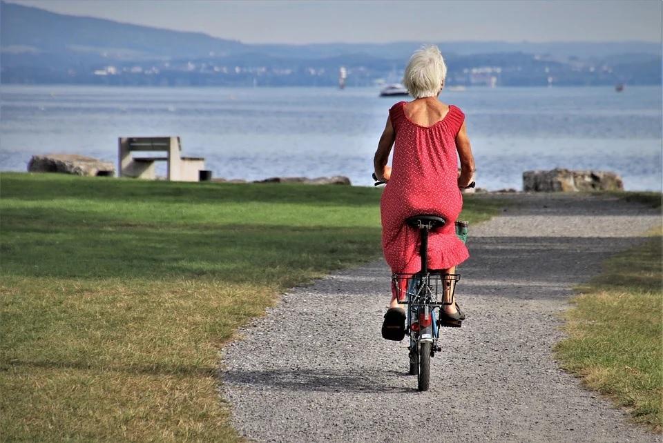 Удивительно: езда на велосипеде замедляет старение
