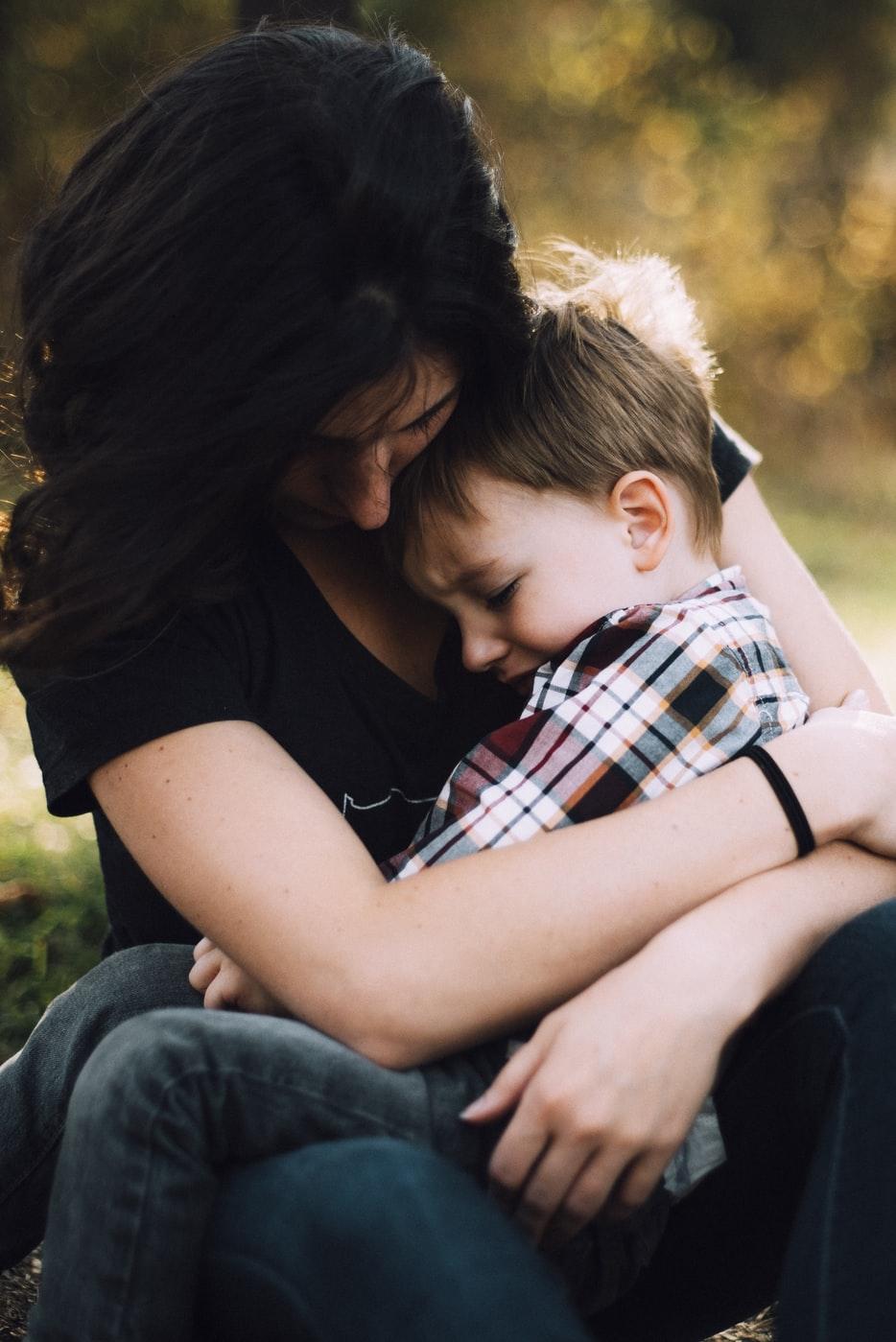 5 признаков того, что вы чрезмерно защищаете своего ребенка
