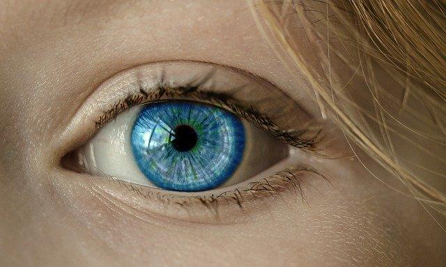 Как избавиться от темных кругов под глазами в домашних условиях