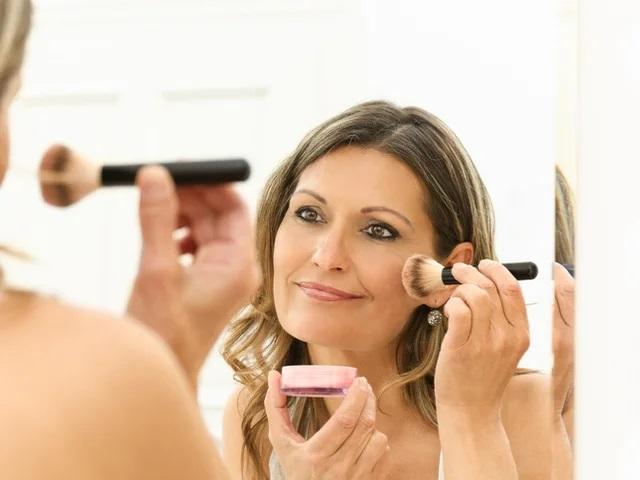 Правила макияжа для женщин старше 40 лет