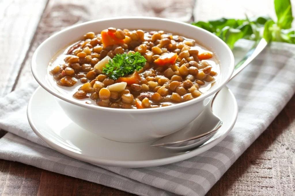 Низкокалорийный рецепт сытного супа из чечевицы