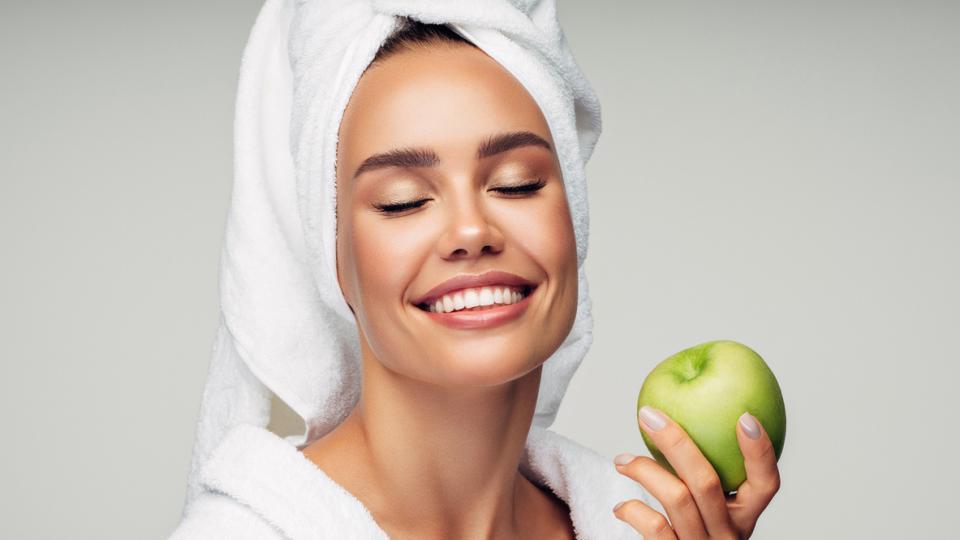 Осенние маски для лица и волос с яблоком