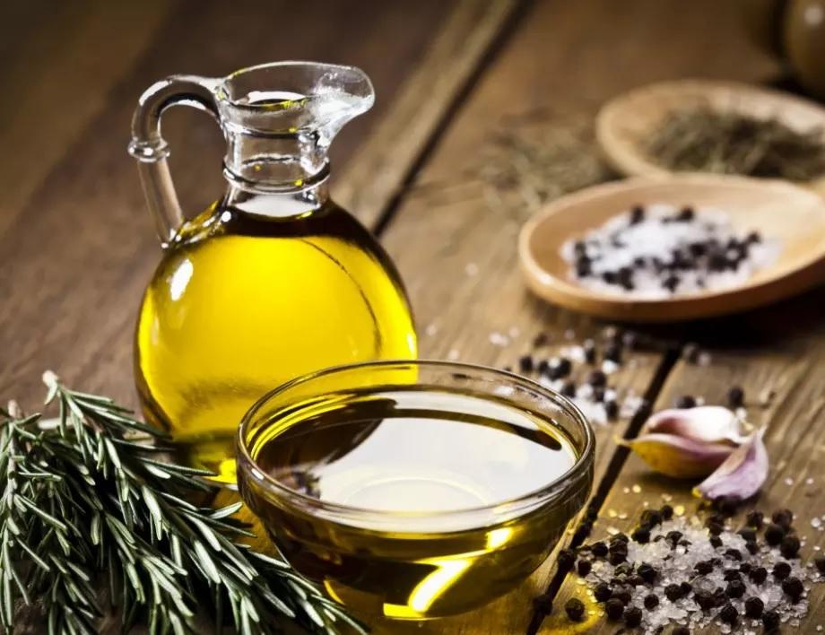 Оливковое масло - хорошее лечебное средство против повышенного давления.