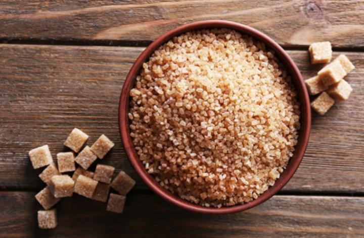 Полезные свойства коричневого сахара и сахарного тростника