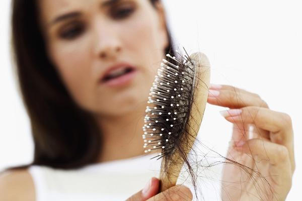 Что вызывает выпадение волос?