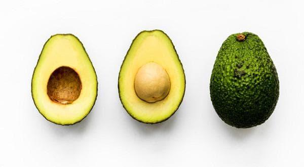 Избавьтесь от прыщей с маслом авокадо