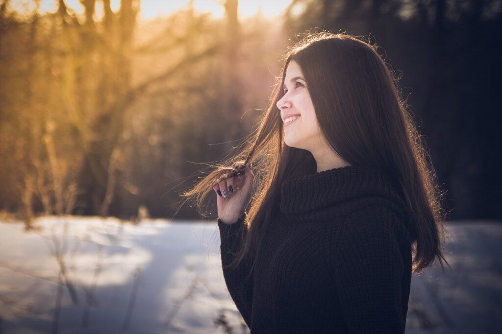 Восстанавливающие маски для истощенных волос зимой