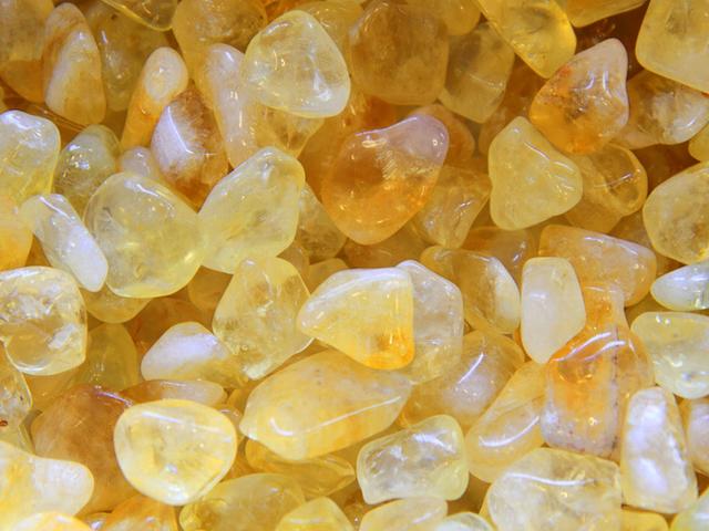 Цитрин - камень, который по фен-шуй привлекает деньги.
