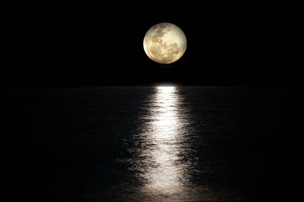 Лунная вода - как приготовить и использовать